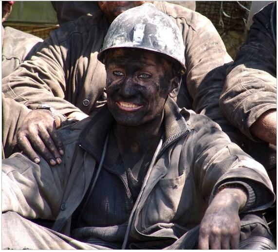 trabalhador mina de carvao