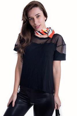 Imagem - T-shirt Básica com Detalhe