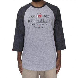 Imagem - CAMISETA RAGLAN DC SHOES CORE FLAG - 16100310