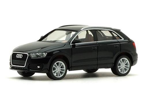 Audi: Q3 - Preto - HO