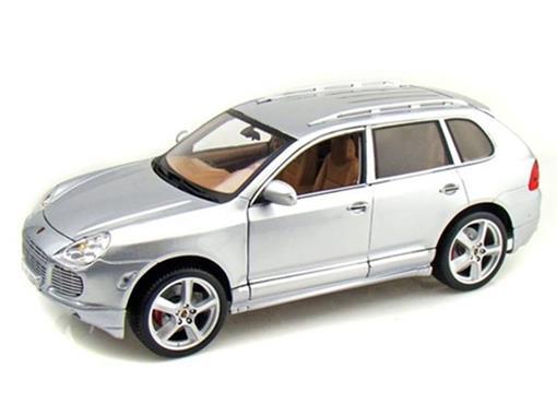 Porsche: Cayenne Turbo - Prata (Interior Creme) - 1:18