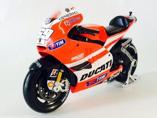 Ducati: Desmosedici -  #69 Nicky Hayden - MotoGP 2011 - 1:10