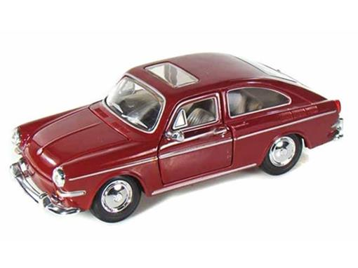 Volkswagen: 1600 Fastback (1967) - Borgonha - 1:24