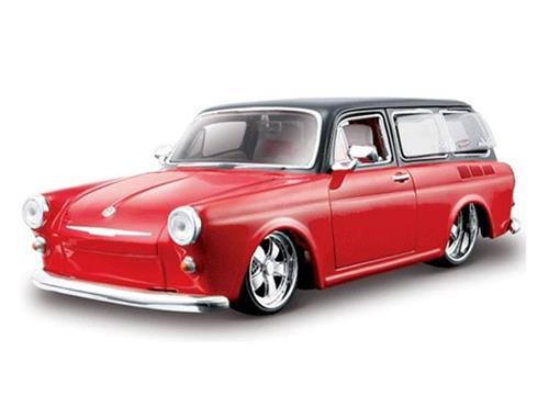 Volkswagen: 1600 Squareback (1967) - 1:24