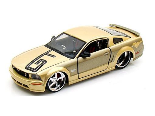 Ford: Mustang GT - Dourado - AllStars - 1:24