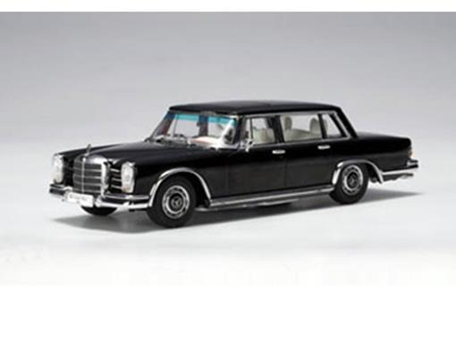 Mercedes Benz: Typ 600 SWB - Preta - 1:43