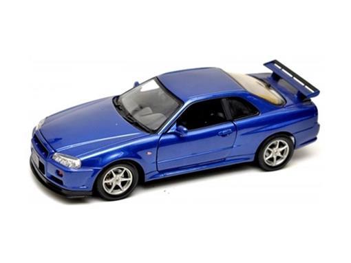 Nissan: Skyline GT-R (2002) - 1:18