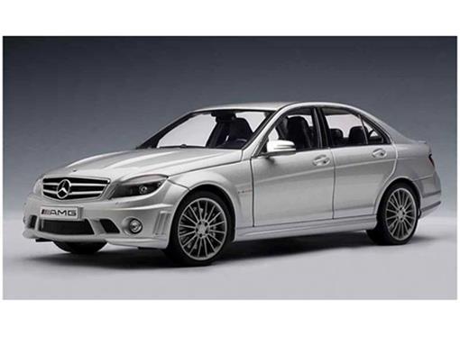 Mercedes Benz: C63 AMG - Prata - 1:18