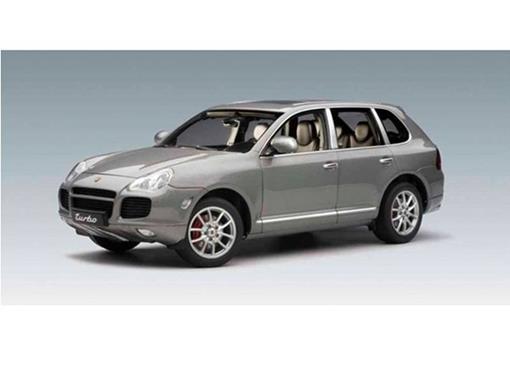 Porsche: Cayenne Turbo - Prata - 1:18