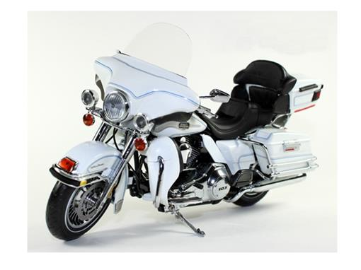 Harley Davidson: FLHTCU Ultra Classic (2012) - 1:12