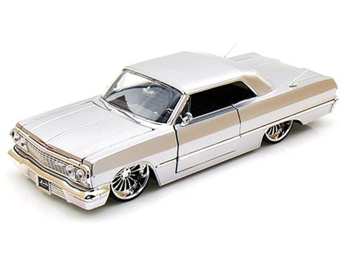Chevrolet: Impala (1963) - Prata - Bigtime Kustoms - 1:24