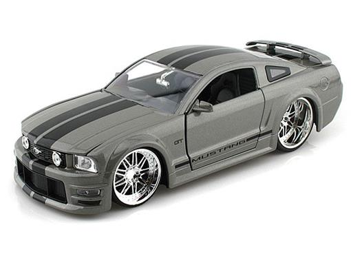Ford: Mustang GT (2006) - Cinza - 1:24