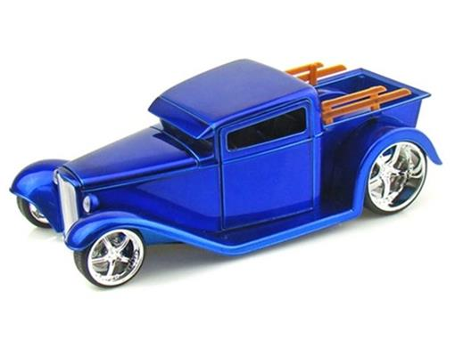 Ford: 1932 Pickup Truck - DUB City - 1:24