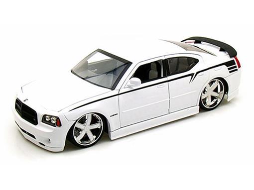 Dodge: Charger SRT8 (2006) - Branco - 1:18