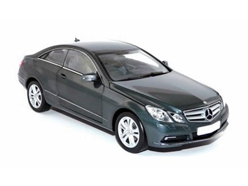 Mercedes Benz: E500 Coupé (2009) - 1:18