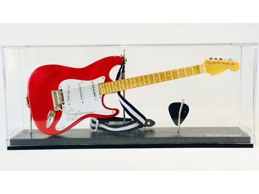 Miniatura de Guitarra Stratocaster - Vermelha (Acrilico) - 1:4