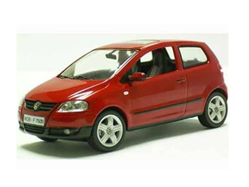 Volkswagen: Fox (2005) - Vermelho - 1:43