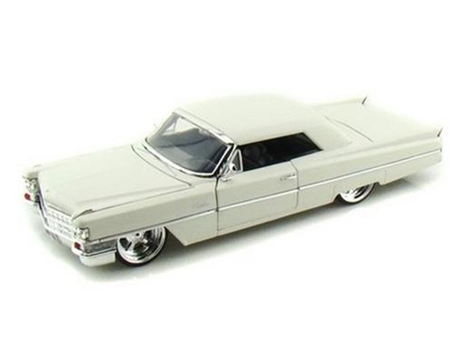 Cadillac: 1963 - Branco - 1:24