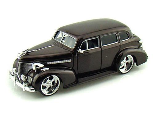 Chevrolet: Master Deluxe (1939) - Marrom - 1:24