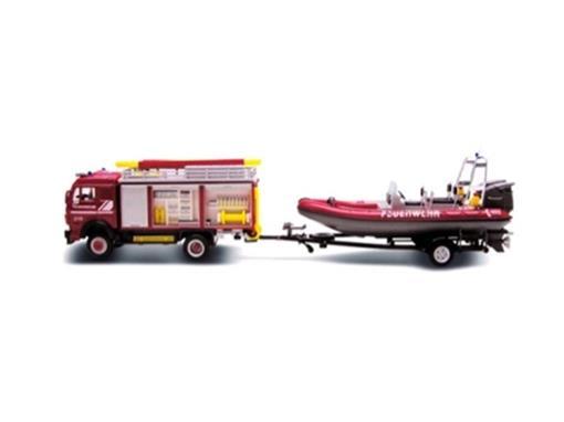 Fire Truck: com carretinha e bote (Bombeiros) - 1:43