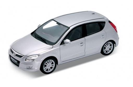 Hyundai: i30 - 1:24