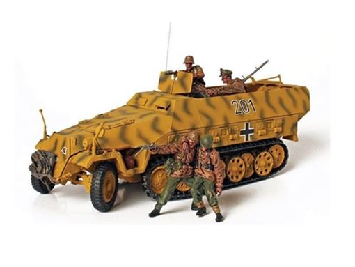 German Army: SD. KFZ 251/1 Hanomag (Lithuania, 1944) - 1:32
