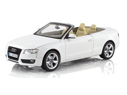 Audi: A5 Cabriolet (2009) - Branco - 1:18