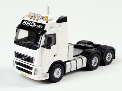 Volvo: FH Globetrotter 6x4 - Cavalo - 1:50