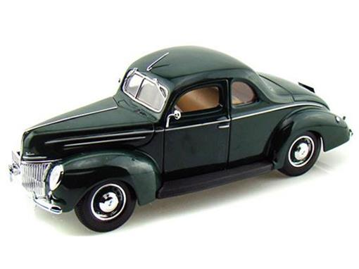 Ford: Deluxe (1939) - Verde - 1:18