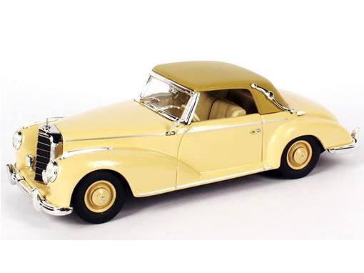 Mercedes Benz: 300S Cabriolet A - Creme - 1:43