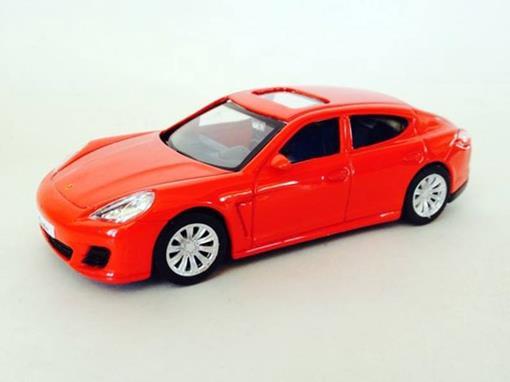 Porsche: Panamera Turbo - Vermelho - 1:43