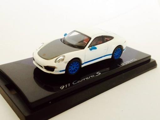 Porsche: 911 Carrera S - Branco/Azul - 1:64