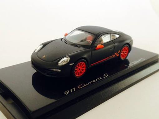Porsche: 911 Carrera S - Preto Fosco - 1:64