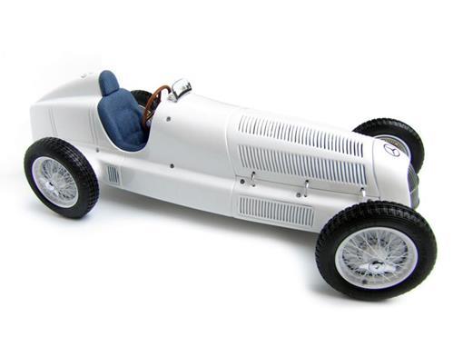 Mercedes-Benz: W25 (1934) - 1:18