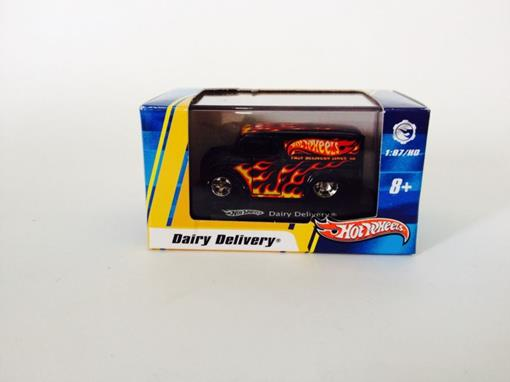 Dairy: Delivery - Hot Wheels - 1:87