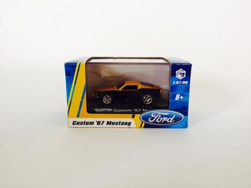 Ford: Mustang Custom '67- Preto/Amarelo - Hot Wheels - 1:87