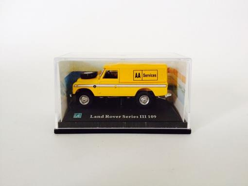 Land Rover: Series III 109 - Amarelo - 1:72
