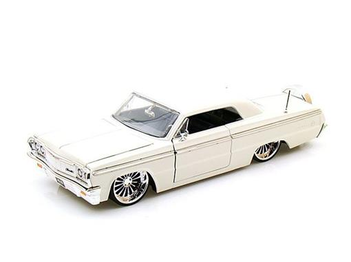 Chevrolet: Impala (1964) - Branco - Bigtime Kustoms - 1:24