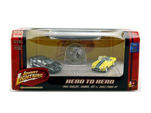 Set: Shelby Cobra 427 (1966) vs Ford GT (2005) - Head To Head - 1:64