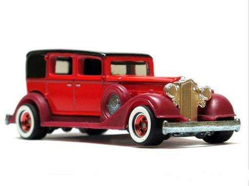 Packard: Classic - Larrys Garage - 1:64