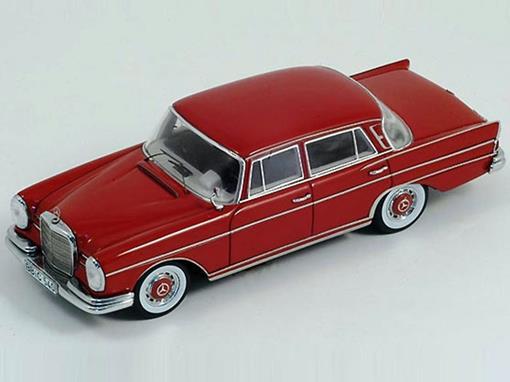 Mercedes Benz: 300 SE W112 (1959) - Vermelha - 1:43