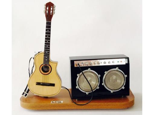 Set: Miniatura de Violão Elétrico + Amplificador Médio (Marrom) - 1:4