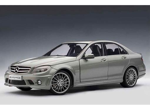 Mercedes Benz: C63 AMG - Cinza - 1:18