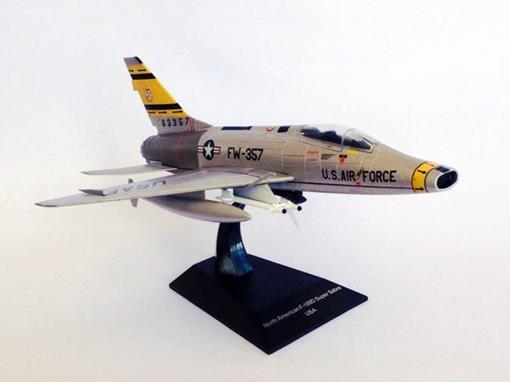 US Army: North American F-100D Super Sabre USA - 1:72
