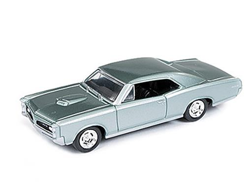 Pontiac: GTO (1966) - Verde Metálico - 1:64