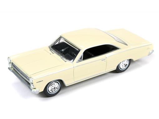 Ford: Mercury Comet Calient (1966) - Amarelo - Vintage Muscle - 1:64