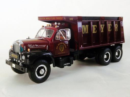 Mack: B-Model High Feature - Dump Truck - 1:25