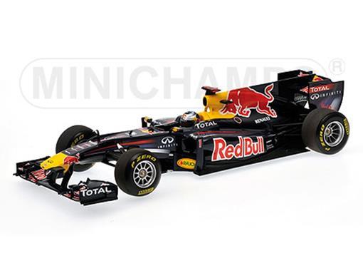 Red Bull Racing: Renault - Sebastian Vettel - SHOWCAR 2011 - 1:18