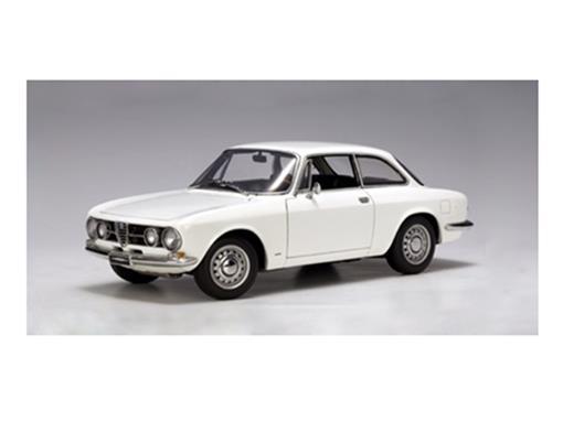Alfa Romeo: 1750 GTV (1967) - Branco - 1:18