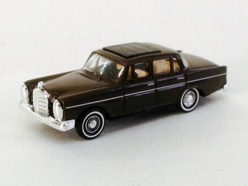 Mercedes Benz: 220 - Marrom - HO